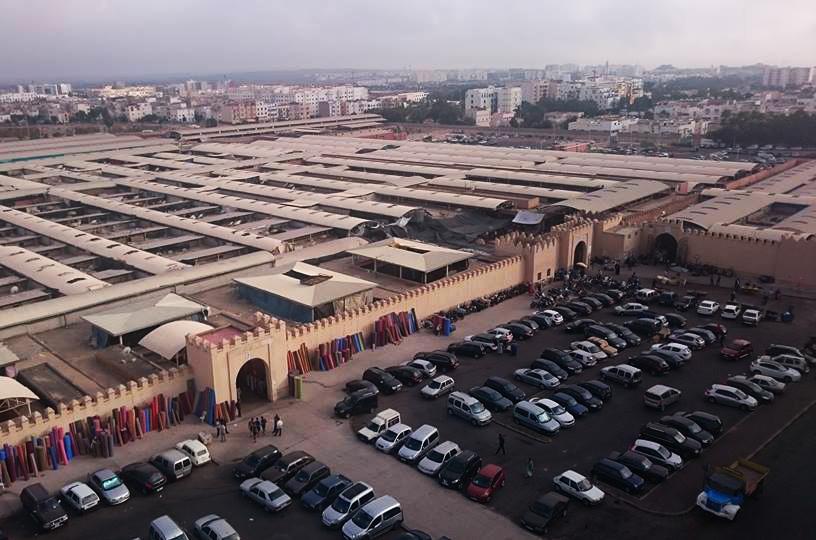 أزيد من 18 محلا بسوق الأحد في ملكية موظفين بجماعة أكاديرØ« عنه